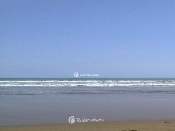 pantai teleng ria pacitan wisata pantai paling terkenal di kota rh ragamwisata com