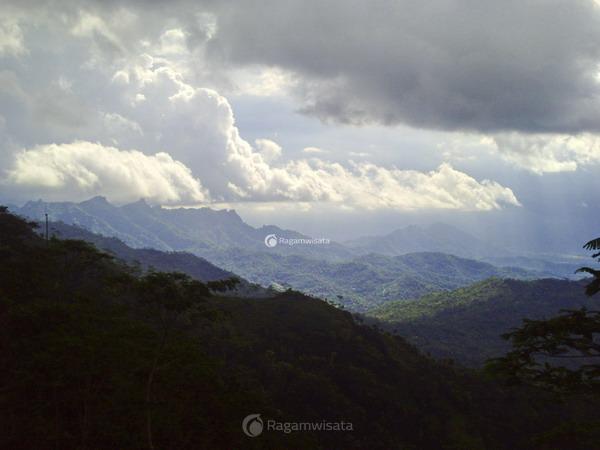 pegunungan menoreh kaya destinasi wisata menarik ragamwisata rh ragamwisata com