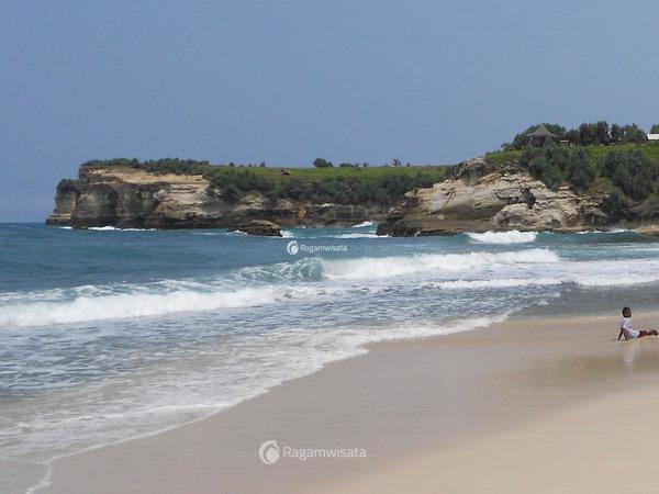 5 wisata pantai di pacitan ragamwisata rh ragamwisata com